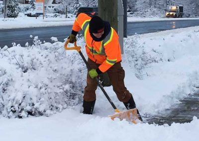 Snow-clearing-by-hand